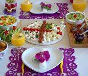 Kahvaltı  Soframız  ve  Pratik Kahvaltılıklar