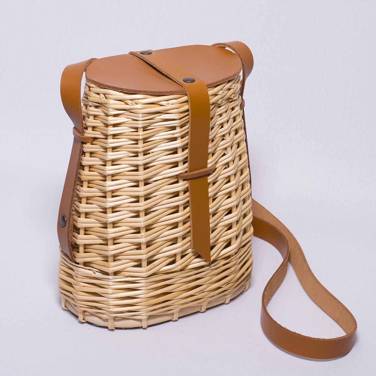 La besace sac à main en osier et cuire de couleur champagne