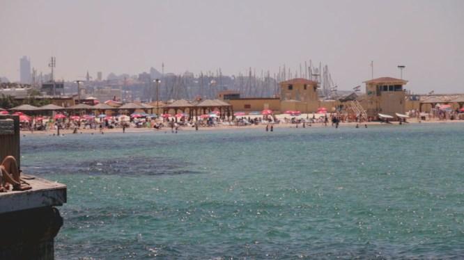 tel-aviv-beach-pretty-12