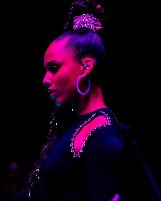 braided-ponytail-lights-aleciakeys-2