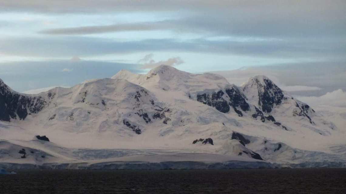25-сезонная экспедиция. Вдоль Антарктического полуострова 15
