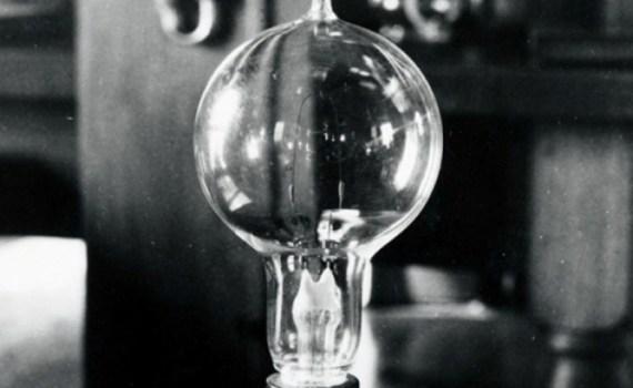 «Свеча Яблочкова» — прообраз современной электрической лампочки 6