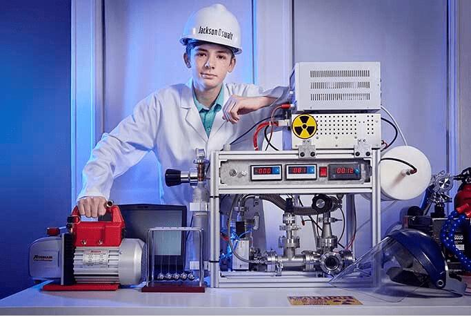 Самый юный физик-ядерщик, согласно Книге рекордов Гиннеса-2021 1