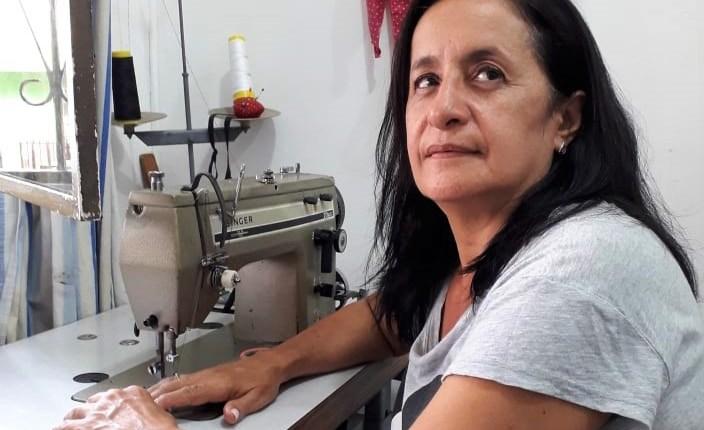 Las modistas migraron al terreno de las costureras
