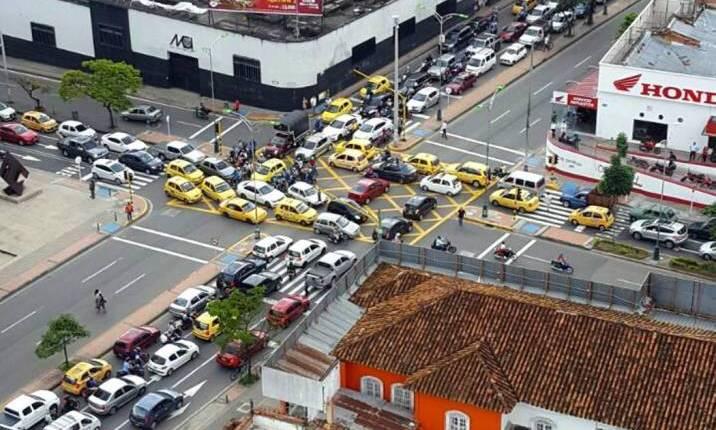 Así está el transporte ilegal en Bucaramanga
