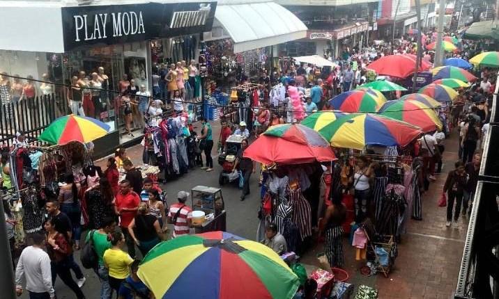Inicia temporada para los vendedores ambulantes en Bucaramanga