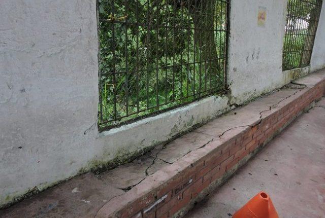 Colegio de Floridablanca en riesgo de derrumbe