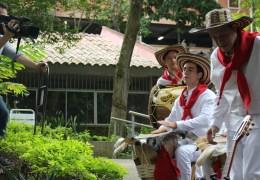 Con vídeo musical, grupo de tamboras se promocionó en Brasil.