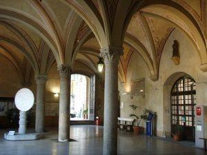 Palazzo_gambacorti_cortile