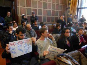 occupazione sinistra per consiglio comunale-2