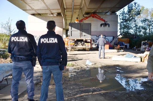 Mozione: Moratoria su sgomberi dei campi rom