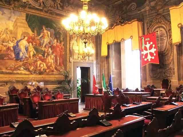 Maggioranza fantasma: la Lega scappa e svuota il consiglio comunale, nessuna idea per Pisa