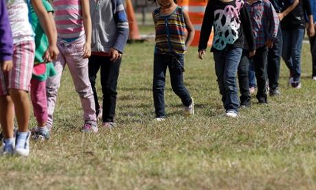 """Minori non accompagnati a Pisa: nessuno spazio in città, saranno """"confinati"""" a San Rossore."""