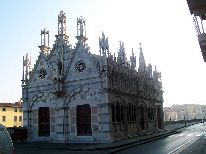 Quando apre e chi apre la chiesa della Spina?