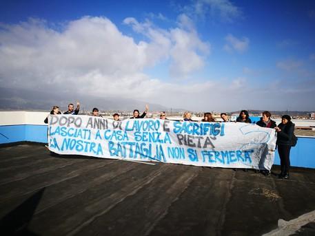 """Mozione urgente: """"A sostegno delle operaie e degli operai contrattisti Piaggio e per il loro reintegro nell'organico aziendale."""""""