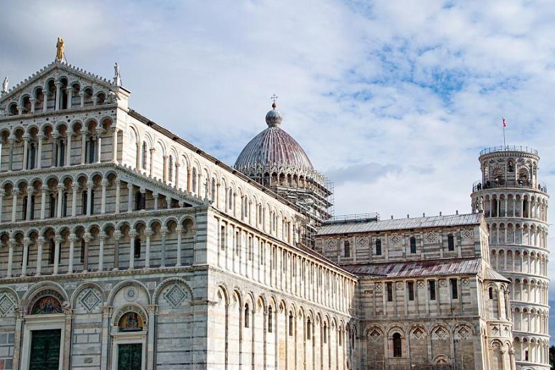 Con o senza le ruote, le bancarelle in Piazza del Duomo non possono rientrare