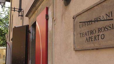 Riapriamo il Teatro Rossi: domenica anche Una città in comune in piazza