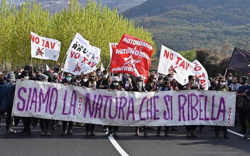 La repressione contro il movimento NO TAV continua. Solidali e complici con Giovanna