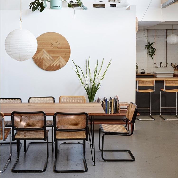 Sfogliate il nostro catalogo e troverete per certo una sedia che si abbini con il vostro tavolo e alla decorazione dei vostri interni. Sceglere La Sedia Giusta Per Il Tavolo Da Pranzo Interior Designer Una Designer Per Tutti