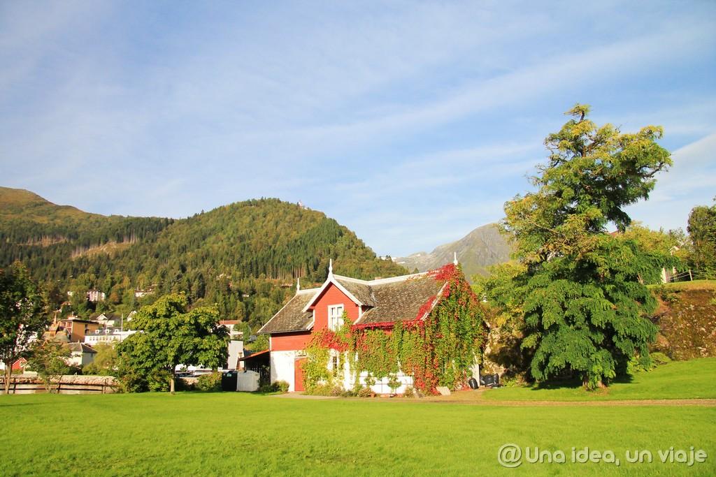 Ruta de una semana de viaje por los fiordos en Noruega