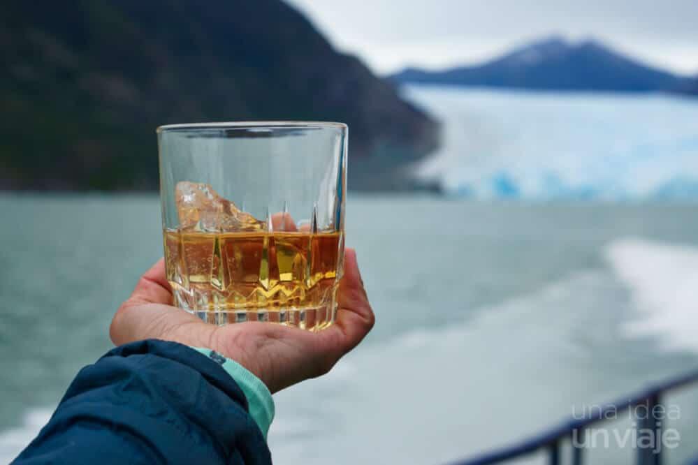 Navegación tour al glaciar San Rafael