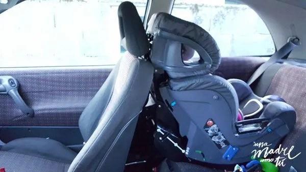 sillas a contramarcha en coche pequeño