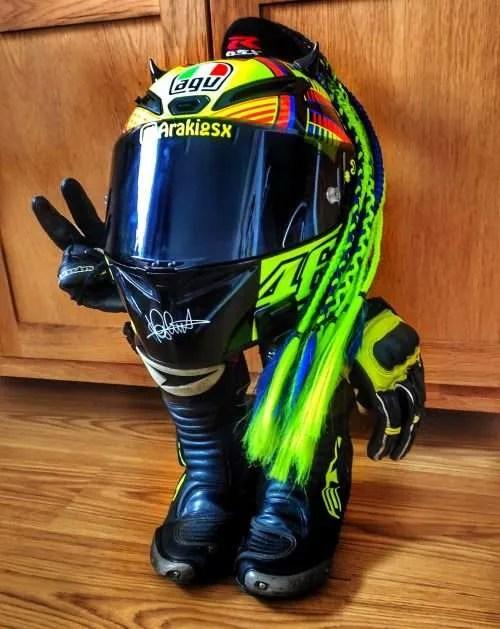 ¿Cuándo tengo que cambiar mi casco de moto?