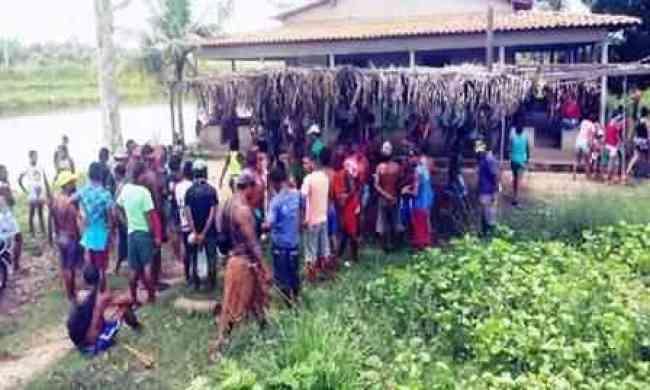 disputa de terra, confronto índios, ataque a comunidade