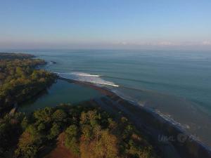 rio caro de pavones from the air