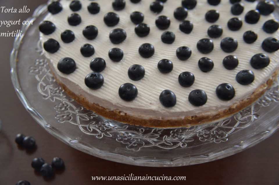 Torta allo yogurt con mirtilli