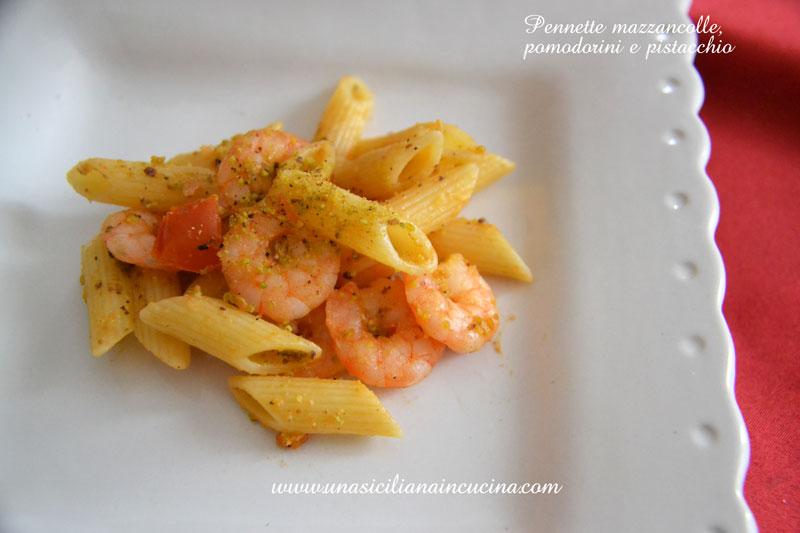 penne-mazzancolle-pistacchio-e-pomorodini-pachino