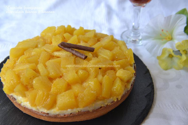 Crostata-frangipane cioccolato-bianco-e-ananas
