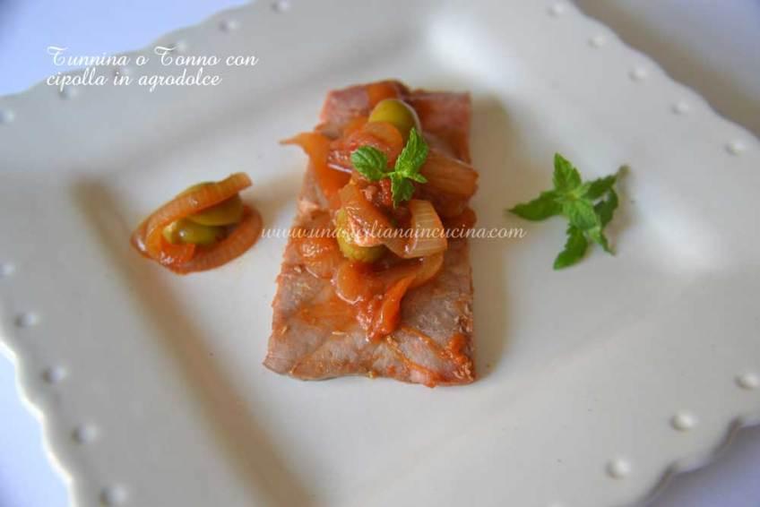 tunnina-o-tonno-con-cipolla-in-agrodolce