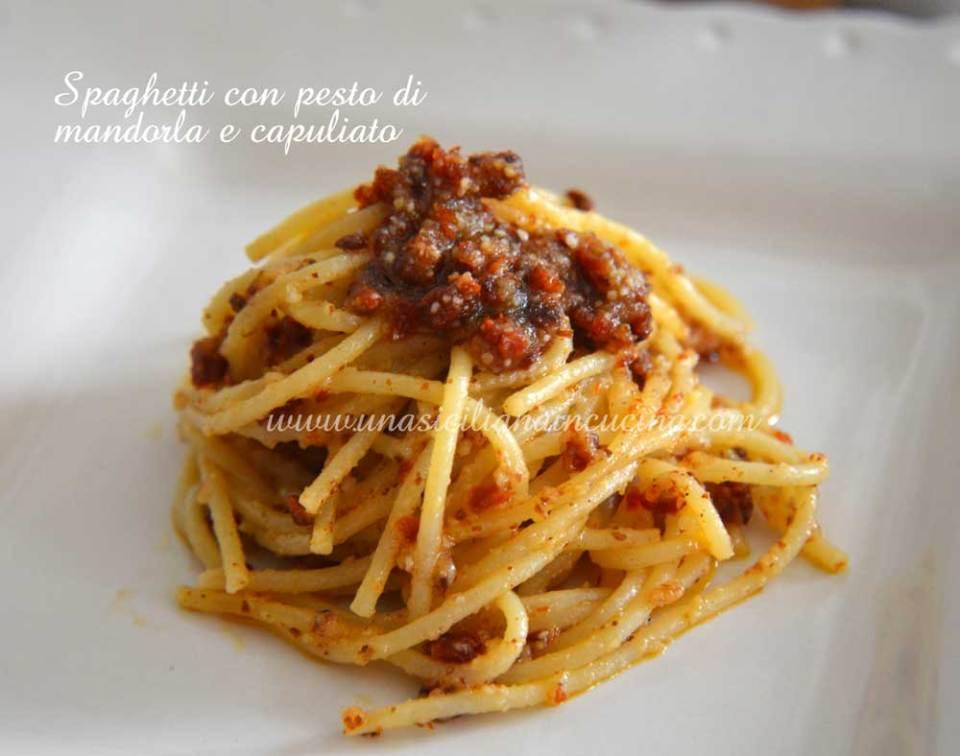 Spaghetti-con-pesto-di-mandorla-e-capuliato