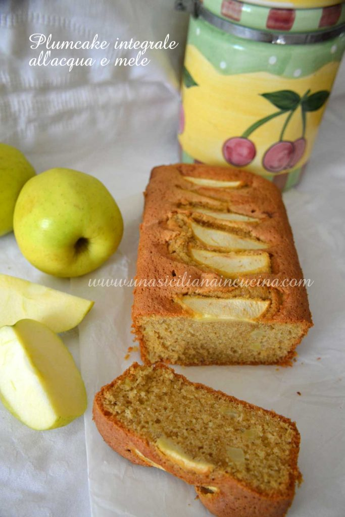 Plumcake-integrale-all'acqua-e-mele