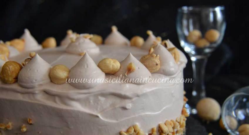 torta cremosa alle nocciole