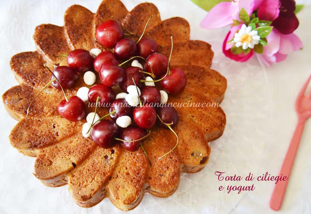 Torta di ciliegie e yogurt