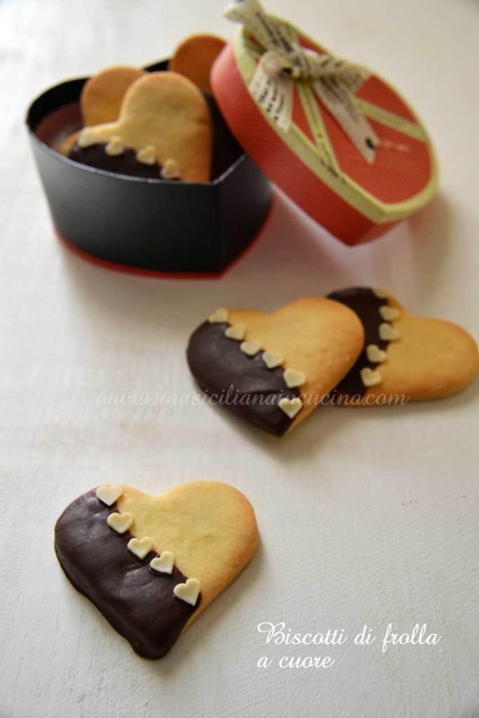 Biscotti di frolla a cuore