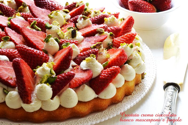 Crostata morbida crema cioccolato bianco mascarpone e fragole