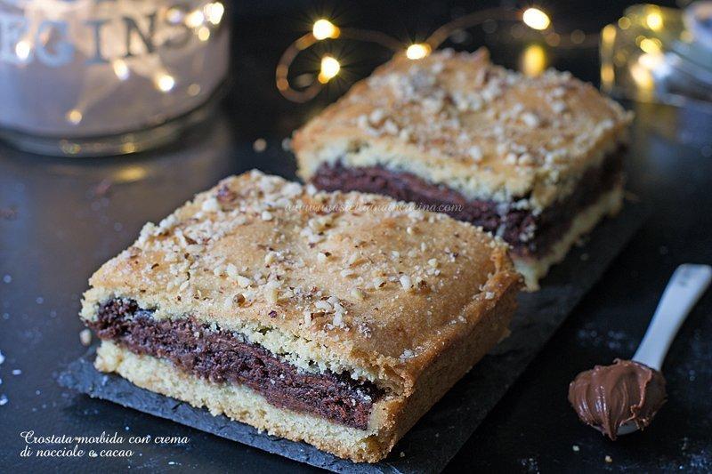 Crostata morbida bicolore crema cacao e nocciole