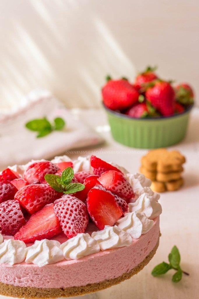 Torta semifreddo fragole e yogurt
