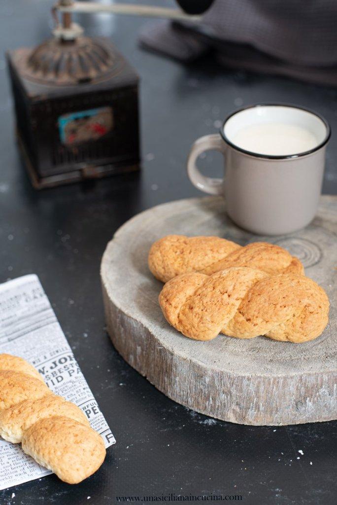 Biscotti siciliani a treccia