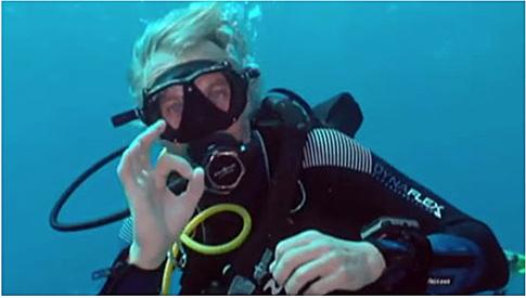 Primeras fotos de Fernando Simón bajo el agua en 'Planeta Calleja' Uti 485