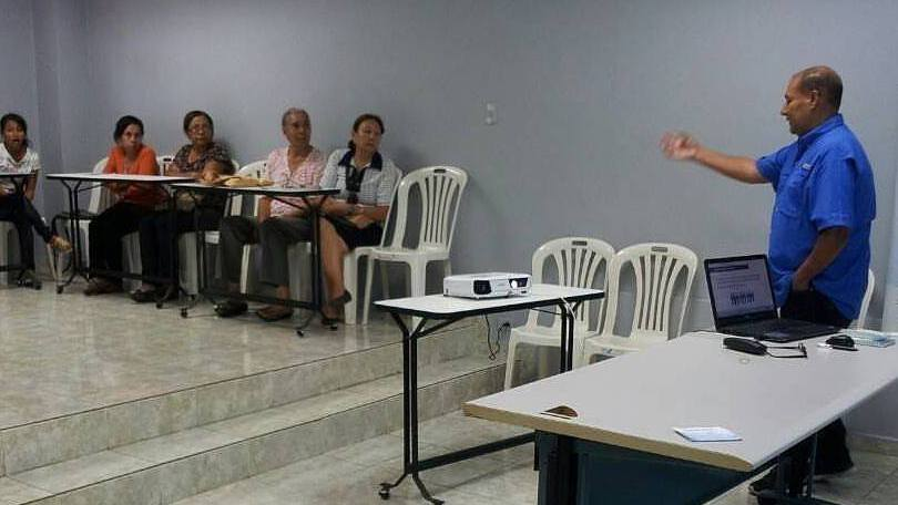 UVL enseña a familiares cómo denunciar y defender los derechos humanos de los privados de libertad