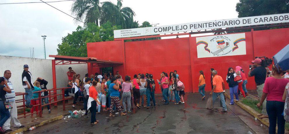 Reclusos mantienen rehenes en la Mínima de Tocuyito
