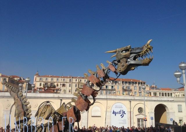 bataille des fleurs carnaval de Nice 06 dragon