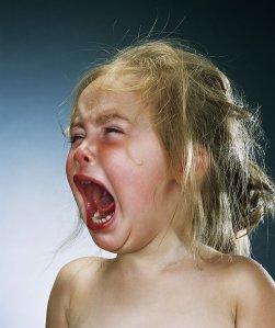 bebe enfant pleure