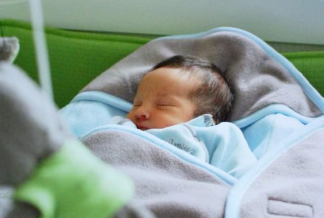 bébé dans cocoonababy