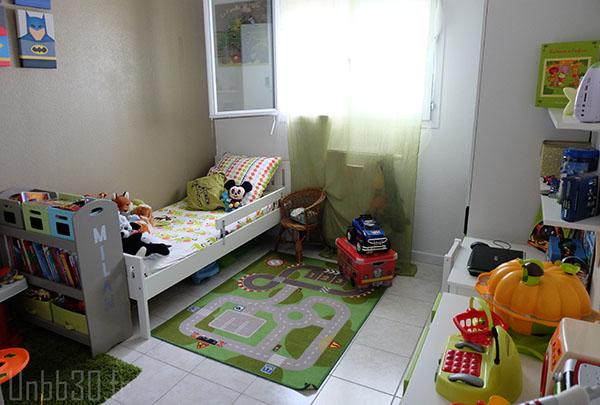 chambre enfant vert et taupe