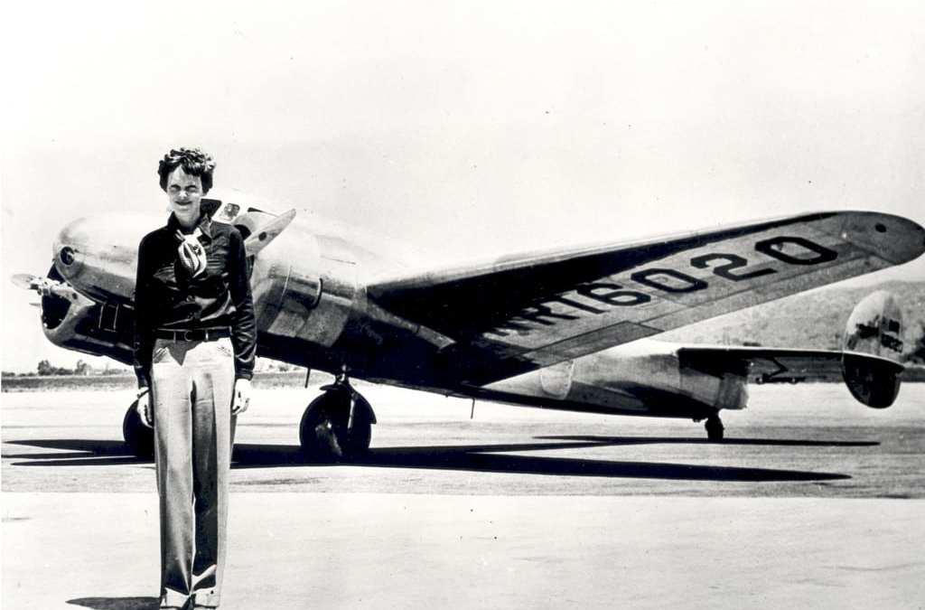 New Amelia Earhart Theory: Photographic Evidence?
